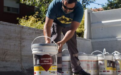Fundación Hilfe y Saint Gobain entregaron 32 latas de pintura para el Hospital de Madariaga