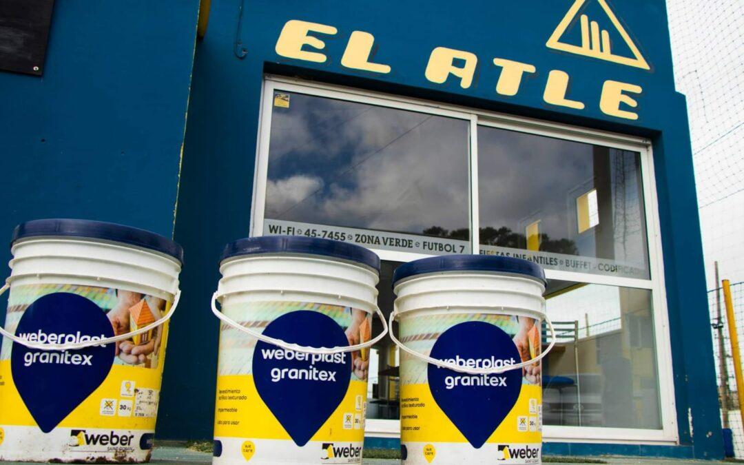 Fundación Hilfe entregó latas de pintura al Atlético Villa Gesell